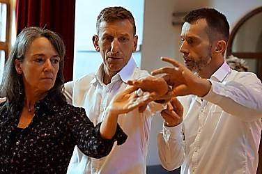 Detail-Korrektur an der Tanzhaltung | mein-tanzlehrer.de in Berlin | Einzelstunden
